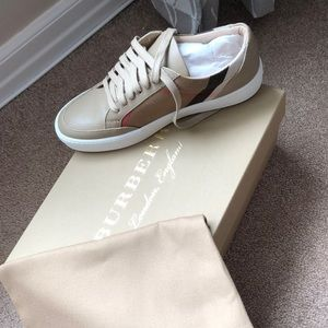 NWT Burberry low top sneaker tan size 37 (7)